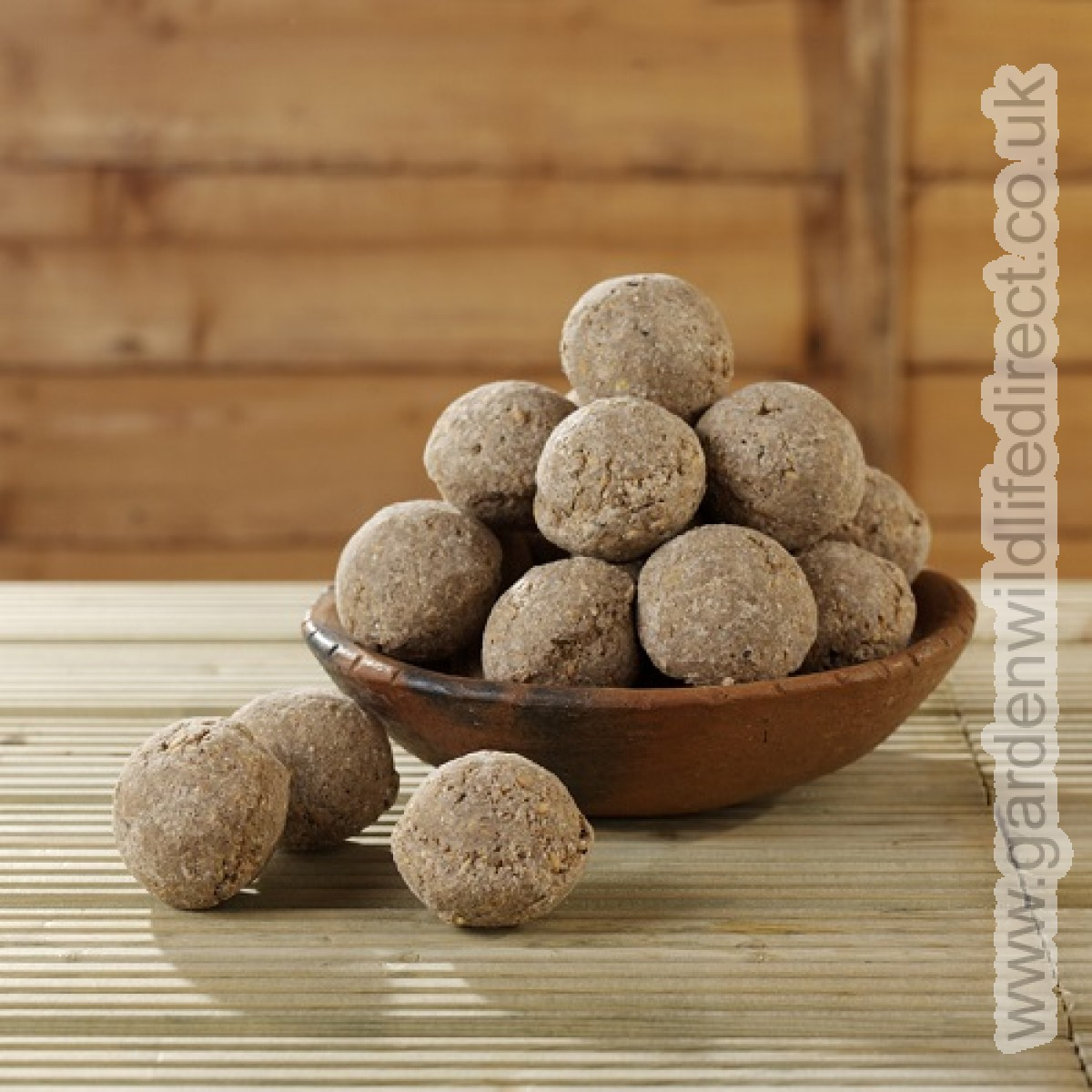 Suet fat balls are a fantastic energy-dense treat for many garden birds. Take a peak at our 'standard fat balls'